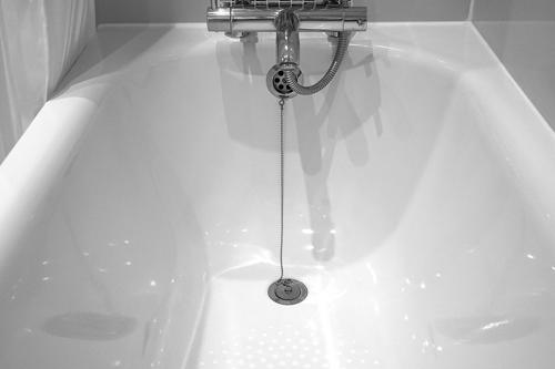 baignoire personnes agees